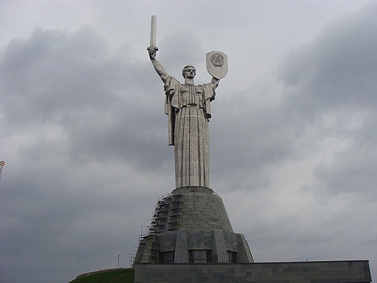 7 Largest Statues in the World