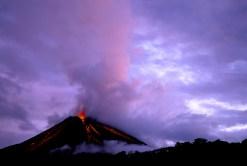 Arenal Vulkan in Costa Rica (Foto: Ron Sanford   iStockphoto   Thinkstock)