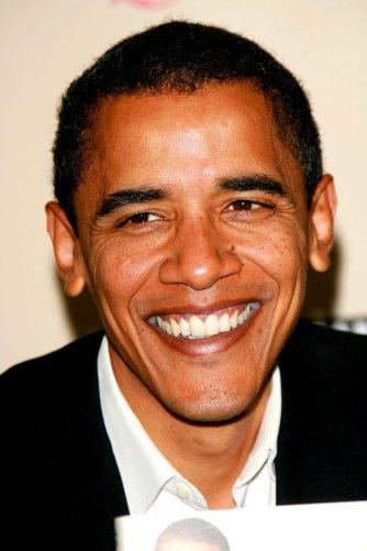 """Barack Obama 2006 bei einer Autogrammstunde für sein Buch """"The Audacity of Hope"""""""