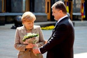 Angela Merkel mit dem ukrainischen Präsident Petro Poroschenko