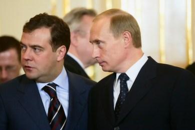 Dmitry Medvedev und Wladimir Putin