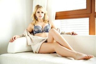 Sexy dralle Blondine