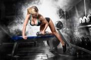 Sexy Blondine beim Workout