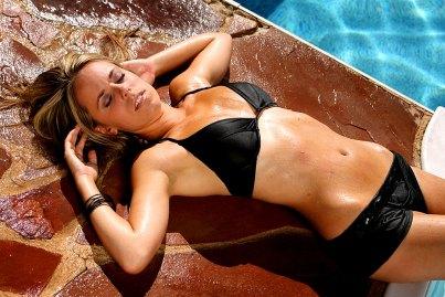 Sexy Girl am Pool