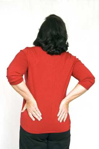 older-woman-with-lower-back-pain_SYPM5paVs