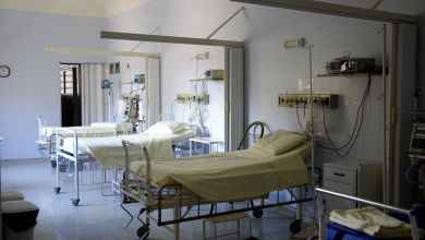 صورة مستشفيات العاصمة تجري فحص الكورونا لجميع المرضى