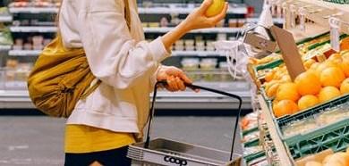 صورة تقرير: المتسوقون لا يلتزمون بتطبيق التوصيات الصحية في المتاجر