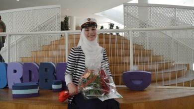 صورة طالبة سورية تحصل على العلامة الكاملة في الثانوية العامة بعد 4 أعوام ونصف في الدنمارك