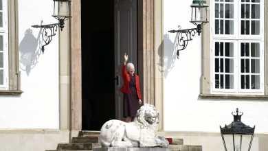 صورة ملكة الدنمارك مارجريت الثانية تطفئ شمعتها الـ 81 اليوم