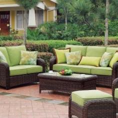 Ratanový záhradný nábytok