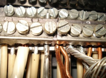 Aluminum and copper wiring, with each metal clearly identifiable by its color