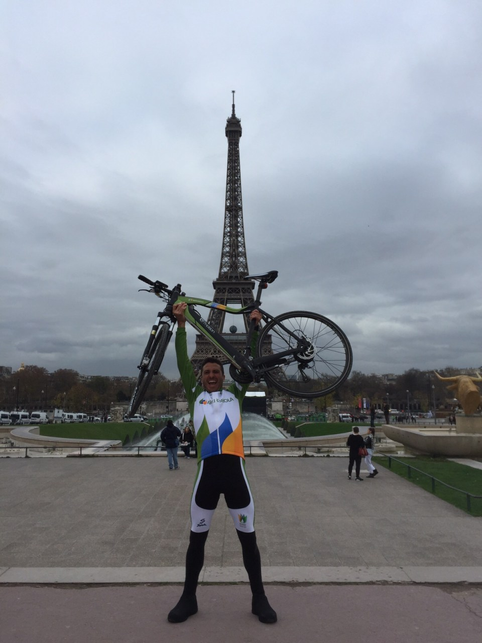 Nacho Tomás - #just2challenge - París - Torre Eiffel 2