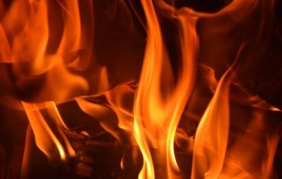 Brand einer Garage nach dem Feuerwerk