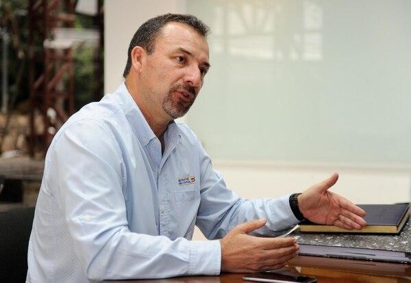 Mario Marín, ingeniero de Sánchez Carvajal a cargo de la vía. Fotografía: Melissa Fernández Silva