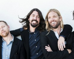 """Foo Fighters publica en línea su nuevo álbum de estudio, escucha completo """"Concrete & Gold"""""""