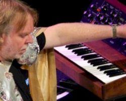 Rick Wakeman regresa a Chile para ofrecer imponente show sinfónico