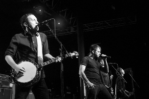 The Dropkick Murphys on www.nadamucho.com