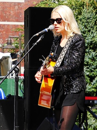 Phoebe Bridgers at Bumbershoot 2015 by Jim Toohey for Nada Mucho