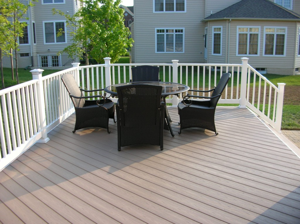 composite deck na deck and patio