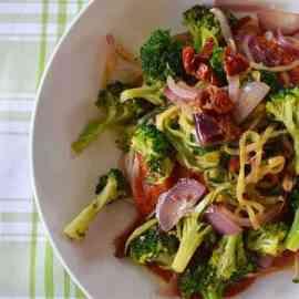 Spaghetti (sans gluten) sauce tomate aux légumes