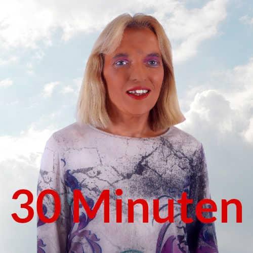 Spirituelles Coaching spirituelle Lebensberatung 30 Minuten Engelmedium Nadka Hafendörfer vor Wolken