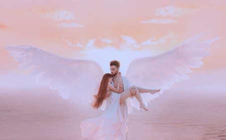 Die fünfte Dimension Engel trägt Frau Nadja Hafendörfer