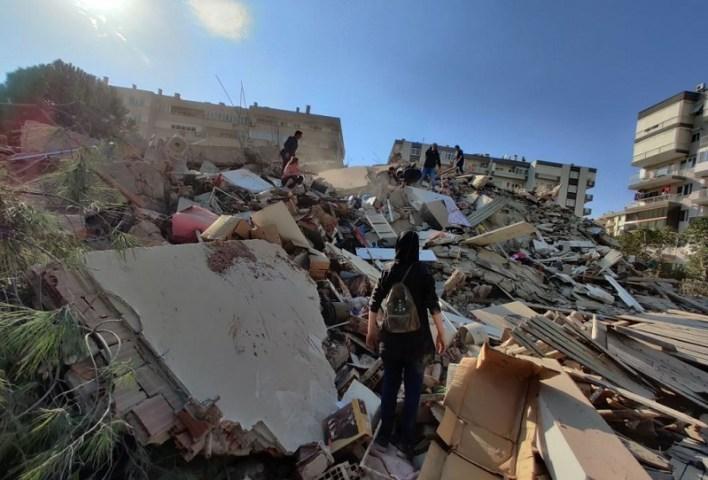 زلزال إزمير تركيا