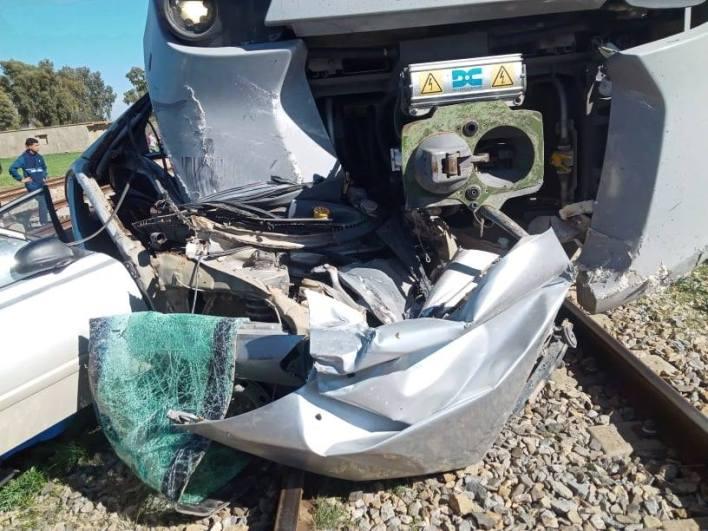 الشلف بوقادير قطار كوراديا حادث سيارة