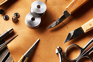 Lederbearbeitung, Ledergürtel, Lederarmbänder