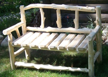 de jolis bancs en bois faits maison