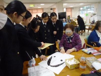 中学生がボランティア活動で施設訪問20170321