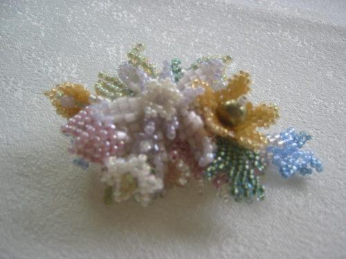 bouquet brooch light