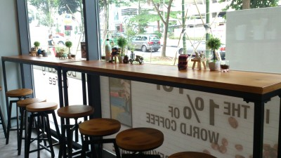 Doi Chaang Coffee Cafe - 321 Clementi - High Bar Table Seats