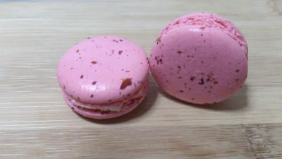 Les Delices Macarons - Lychee Macaron