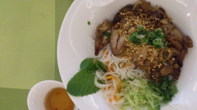 Pho Tai - Grilled Chicken Dry Vermicelli