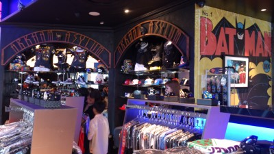DC Comics Super Heroes Cafe - Merchandise Shop