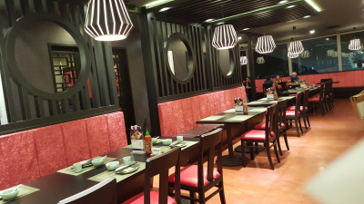 Lokkee Restaurant - Another view of interior