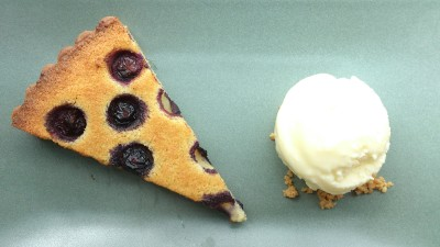 Bread Street Kitchen Singapore - Blueberry Bakewell tart with crème fraiche Ice-cream