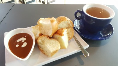 Kanoom Thai Dessert Cafe - Steamed Bread with Chayen Dip Set (with a hot coffee or tea)