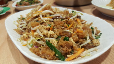 Spicy Thai Thai Restaurant At Aljunied Ave 2 - Stir-fry Fish Maw, Crab Meat & Bean Sprouts ($18)
