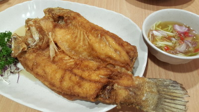 Spicy Thai Thai Restaurant At Aljunied Ave 2 - Deep Fried Sea Bass with Mango Salad (seasonal price)