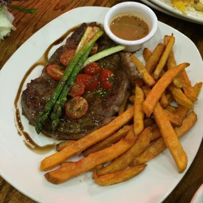 Outback Steakhouse Singapore Tasting Menu - Black Peppercorn Crusted Ribeye ($37.90)
