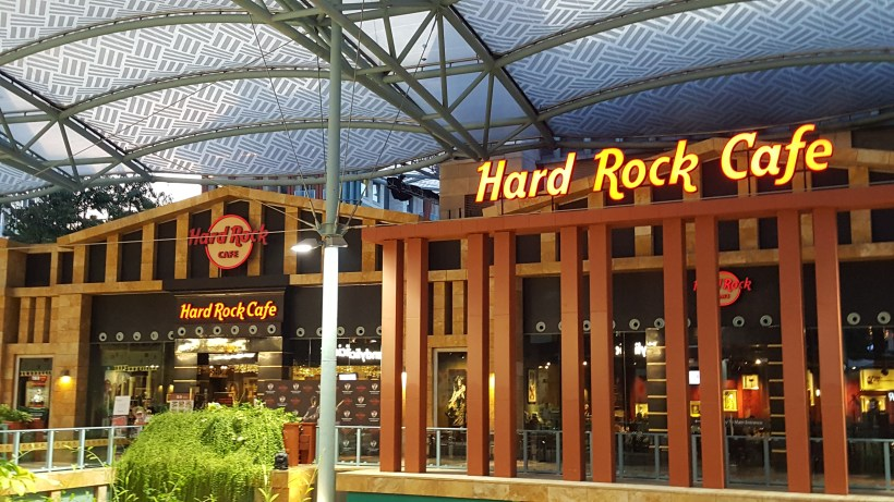 Hard Rock Singapore Vegetarian Menu At Resort World Sentosa, Singapore - Facade