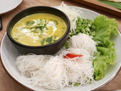 Basil Thai Kitchen At Paragon In Orchard, Singapore - Keang Kua Poo ($16.90)