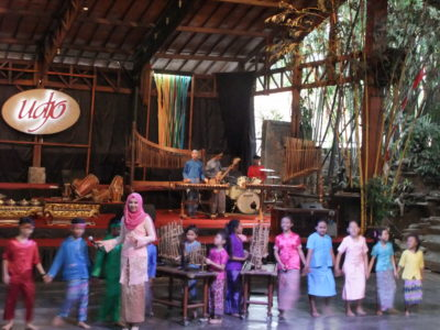 Saung Angklung Udjo In Bandung, Indonesia - Performance by kids