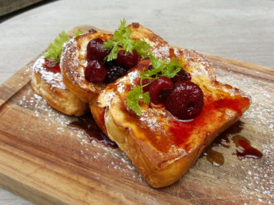 Portico Host At Alexandra, Homely, Cosy Ambience With Tasty Brunch - Brioche French Thick Toast