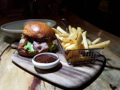 South Beach Avenue, The D-Place To Be For Everyone - Amoury, Royal Armoury Burger ($19)