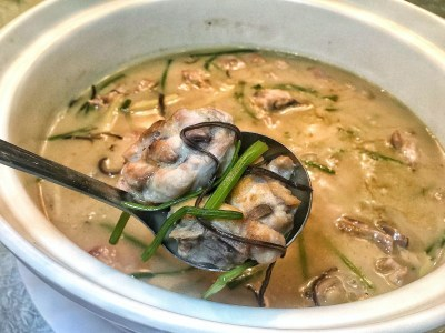 Crystal Jade Prestige At Marina Bay Financial Centre Introduces New Dishes, Downtown Singapore – Free Range Chicken Stew with rice wine and ginger (S$32++ for whole chicken)