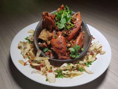 Spice Brasserie's Endless Crabs Party Dinner Buffet At Parkroyal On Kitchener – Wok Fried Crab in Wu Jia Pi Wine