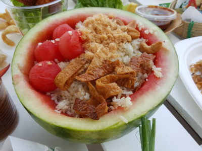 Chang Sensory Trails 2017 In Singapore Featuring Bo & Dylan Held At Long Chim - Gin Khao Signature Watermelon Fried Rice Taking Centre Stage